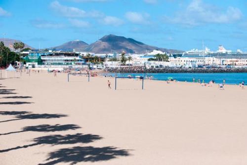 Playa-de-las-Alcaravaneras