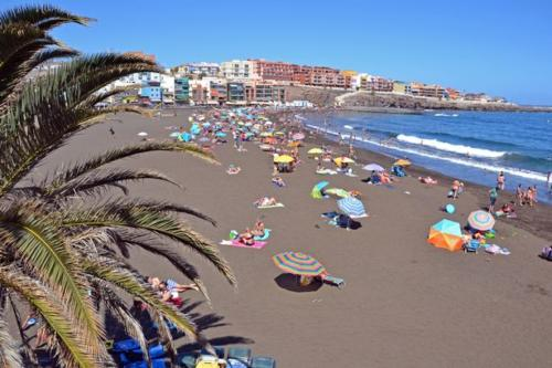 Playa-De-Melenara-Beach